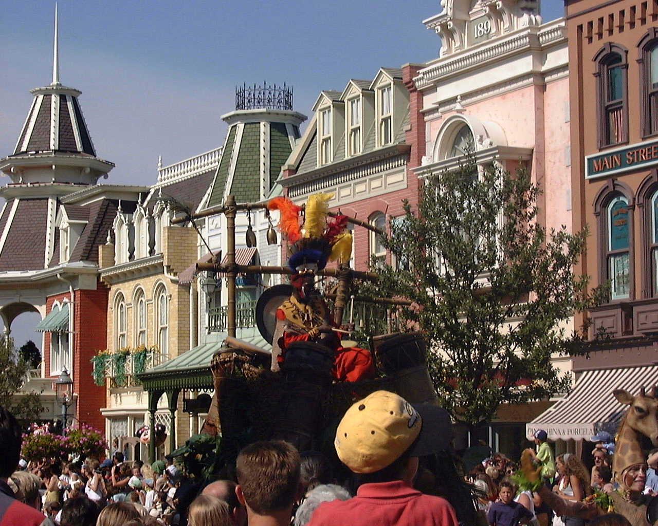 Disneyland Paris - Disney Parade 2